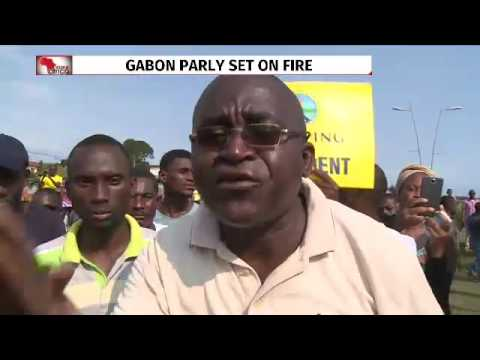 Gabon, anti Bongo protesters torch parliament