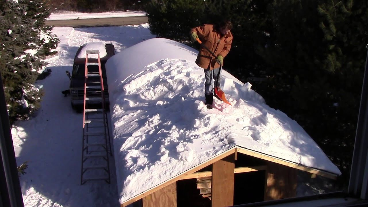 Shoveling Snow Off Roof Part 1 Of 2 Youtube