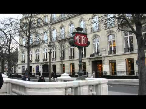 Caminando por Champs-elysée en navidad!