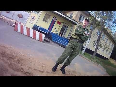 Военные требуют удалить фото возле в/ч