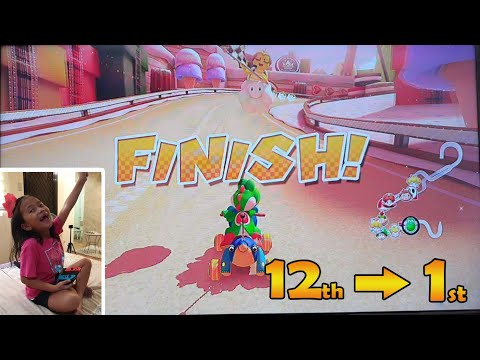 Mario Kart 8 Deluxe!!! Super Fun! Wuhooo! |