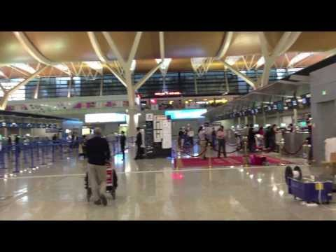 PAUL HODGE: SHANGHAI PUDONG AIRPORT, SHANGHAI TO HONG KONG, 2013 SOLO AROUND WORLD IN 24 DAYS, Ch 85