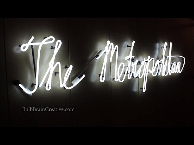 Taking a stroll around the Metropolitan Club's Bar