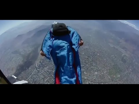 Daredevil braves 2000 meter high jump in a wingsuit over Santiago