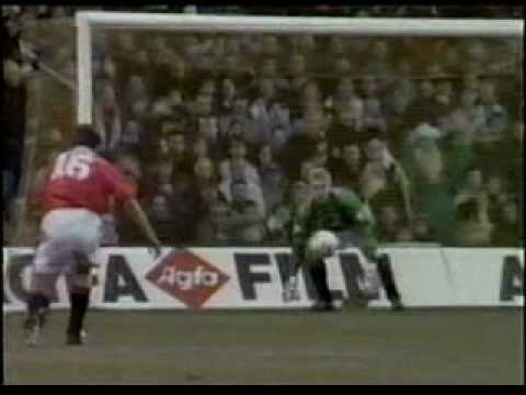 Peter Schmeichel - Best Saves