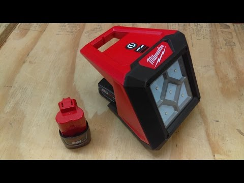 Milwaukee M12 Rover Compact Flood Light Review