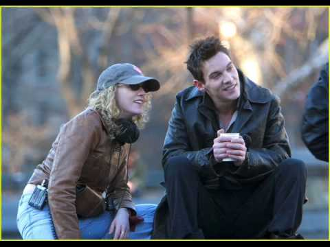 SOMETHING INSIDE (in spanish by me) JONATHAN RHYS MEYERS / AUGUST RUSH