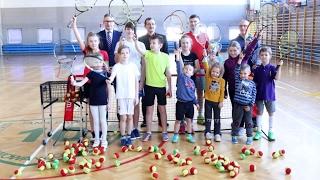 Aktywne ferie Ostro³êckiego Stowarzyszenia Tenisowego w SP nr 10