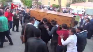 بالفيديو| تشييع جنازة يحيى الجمل من مسجد جامعة القاهرة