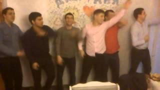 Годовщина свадьбы пацаны танцуют!! Прикол