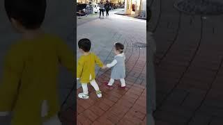 마치광장에서 형배아들이랑