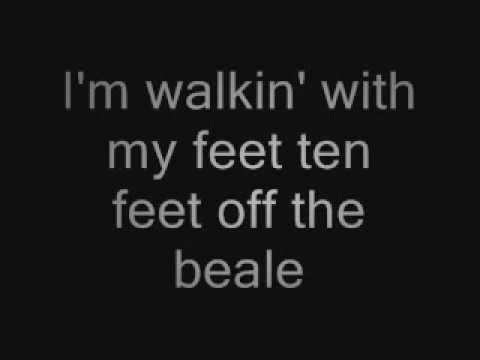 Walkin in Memphis - Cher (w/lyrics)