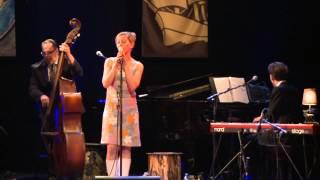 """Kitty Hoff - Die Frage Ist (aus der Live DVD """"Kitty Hoff - Argonautenfahrt"""")"""