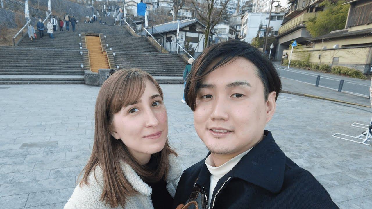 夫婦で仕事しながら温泉街を巡る