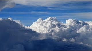 雷雲のなか着陸する様子を機内から撮影・4K撮影 thumbnail