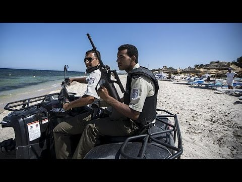 Tunisia arrests 12 suspected in Sousse beach attack