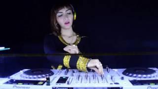Roro Fitria Lagi Enjoy Nge-DJ