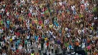 Oprah's Kickoff Party - Flash Mob Dance! thumbnail