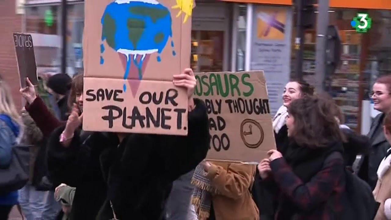0cfc520a7be Grève mondiale pour le climat   des centaines de jeunes font une