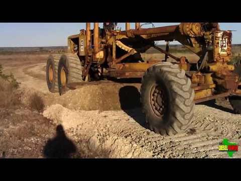 Caterpillar 16 Motorgrader [HD 720p]