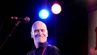 Wilko Johnson - Barbed Wire Blues - NYE 2010.MOV