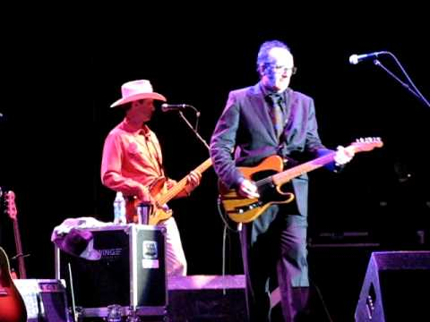 "Elvis Costello ""Brilliant Mistake"" Milwaukee 7/5/09"