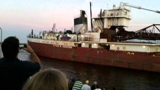 Great Lakes Freighter Arthur M Anderson passing through Duluth, Minnesota at Canal Park