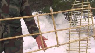 Уроки выживания, сделай снегоступы.mp4