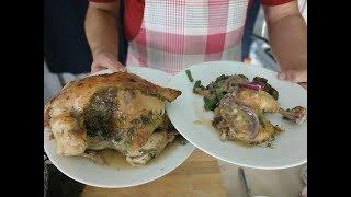 Курица снаружи, а гарнир внутри. Пошаговый рецепт цыпленка со стручковой фасолью и винным соусом.