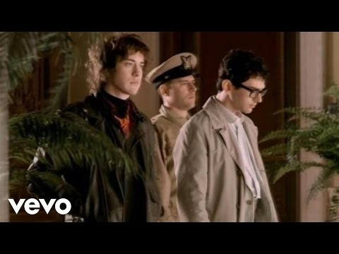 """MGMT - Making of """"Flash Delirium"""" (Video)"""