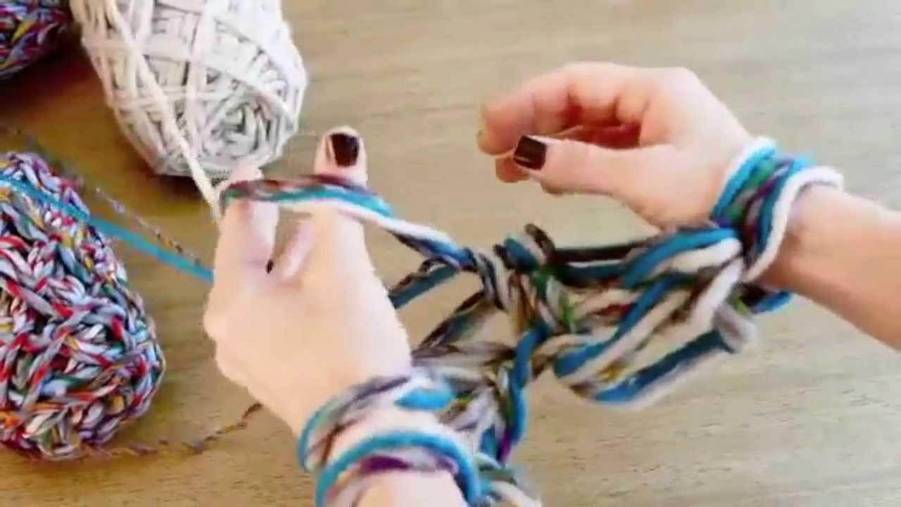 Вязание шарфа только руками, без спиц и крючка - YouTube