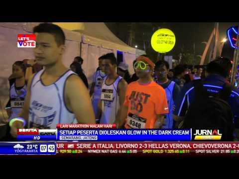 Warga Semarang Gelar Lari Maraton Malam