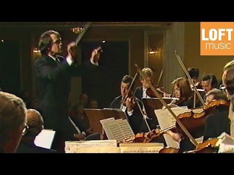 Hans Graf: Mozart - Symphony in E flat major K 543 (Mozarteum Orchestra)