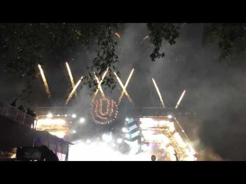 DJ Snake - Middle feat. Bipolar Sunshine @ Ultra Music Festival 2016