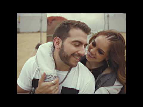 Смотреть клип Tres Dedos, Totoy El Frío Y Kobi Cantillo - Mostaza | Remix