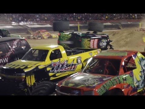 Double Diggers Monster Jam El Paso, Texas Saturday 3-2-13 Highlights