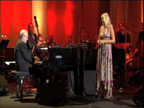 Maria Sadowska & Michel Legrand - How Do You Keep The Music Playing