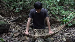 Make hammock from lianas, survival in the tropical rainforest, ep 79