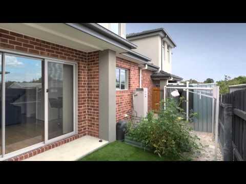 OpenHouseTours video for 4 Stenocarpus Drive, Dandenong North presented by Del Real Estate