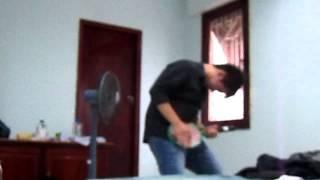 Thằng điên đánh guitar