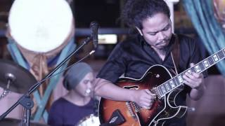 This is Live! - Payung Teduh (Rahasia)