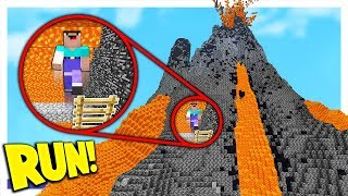 RUNNING FROM LAVA INSIDE A MINECRAFT VOLCANO (Minecraft Volcano Escape!)