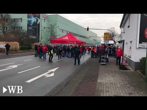 Streik vor dem Bielefelder MieleWerk