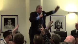Barry Fry sings Keep Right On | Back to the 90