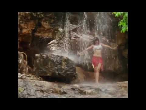 Urmila Matondkar hot bath in water showing her big boobs size and ass thumbnail