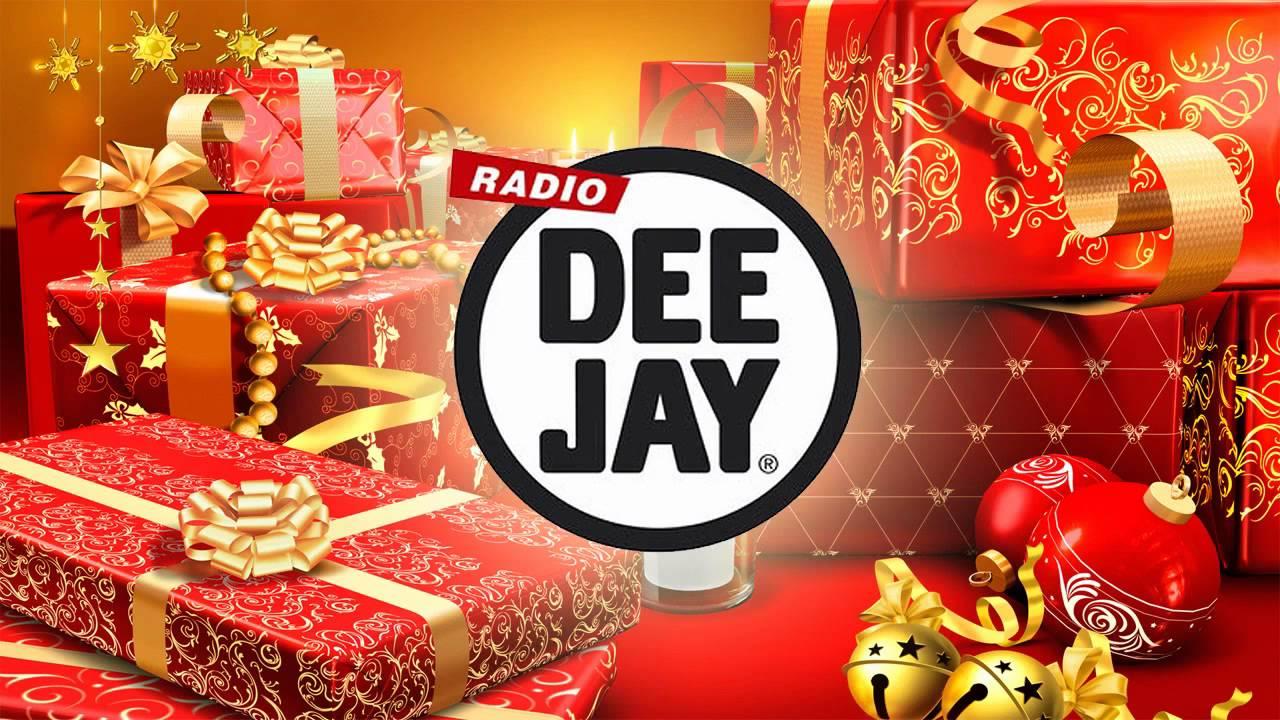canzone di natale radio deejay 2011