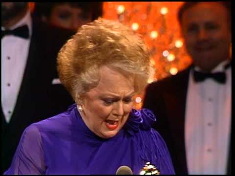 Golden Globes 1987 Olivia De Havilland Wins the Award for Best Supporting Actress