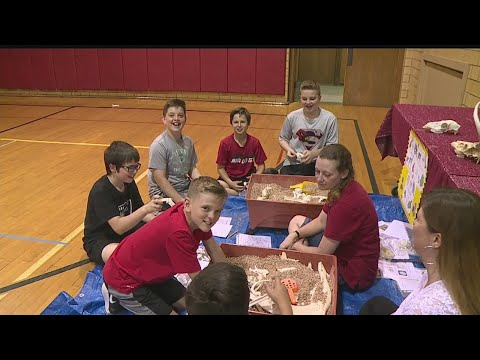 Canfield Village Middle School students take part in STEM activities