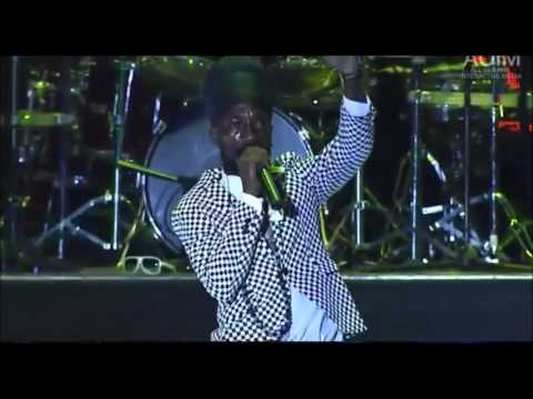 Sizzla - Sting 2013 - Live Performance PT.1 - December 2013