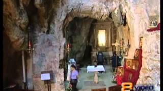 Descrizione dell'eremo santuario di S. Maria della Stella a pazzano in Calabria. Una chiesa rupestre ispirata dal capitolo 12 dell'Apocalisse di Giovanni. Servizio andato in onda sull'emittente televisiva Video Calabria nell'agosto del 2009. Prima parte